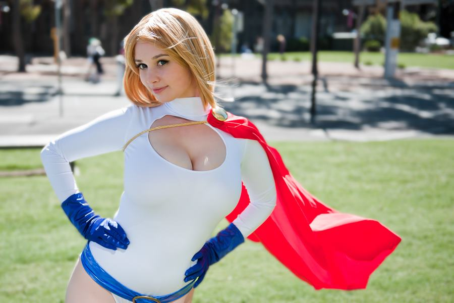 Ardella D'avalon Power Girl cosplay