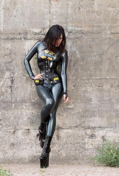 batgirl-latex