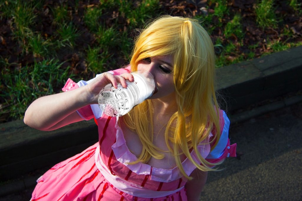 cosplayer-drink